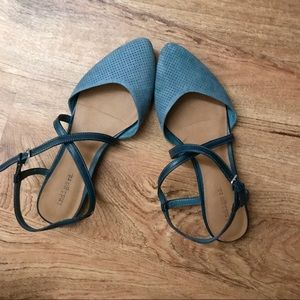 Pointed Toe Blue Sandals Criss Cross Strap